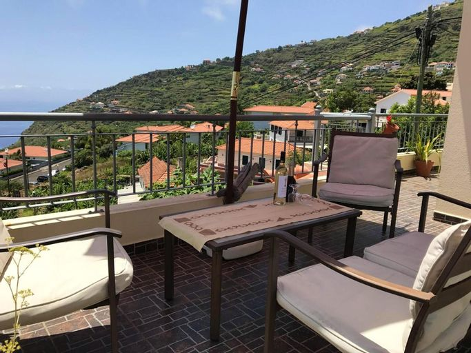 Apartment With 2 Bedrooms in Arco da Calheta, With Wonderful sea View, Furnished Balcony and Wifi - 6 km From the Beach, Calheta