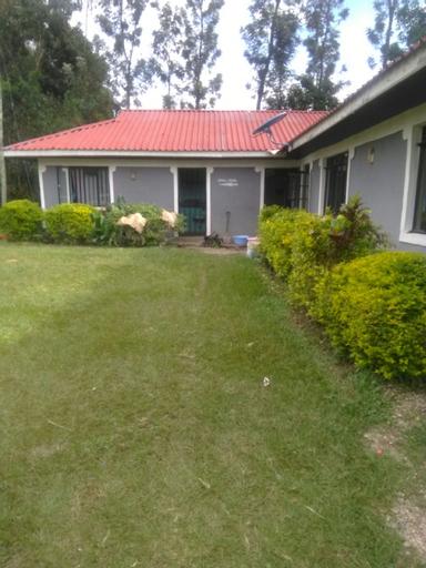 Eddys Resort, Ugunja