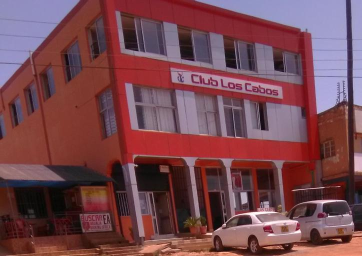 CLUB LOS CABOS, Ugunja