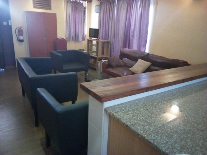 Thorn Tree Hotel, Mwingi Central