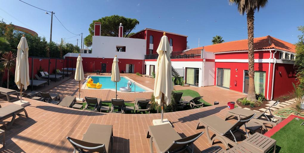 Villa 3 Caparica, Almada