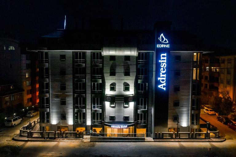 Adresin Hotel, Merkez