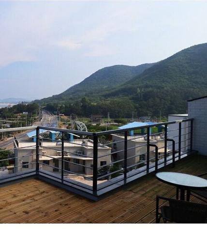 Cherry (Blue Road Town Pension), Yeongdeok