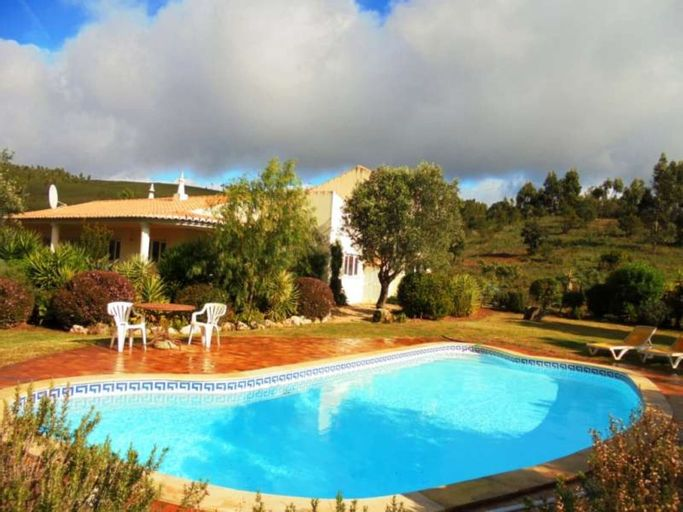Villa - 4 Bedrooms with Pool and WiFi - 102030, Portimão