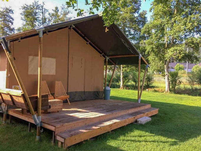 Safaritent at Camping De Breede, Eemsmond
