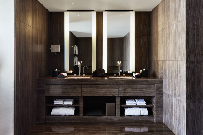 Armani Hotel Dubai,