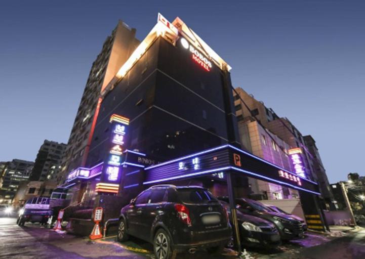 Bobos Motel, Mapo