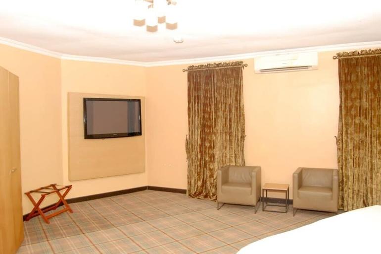 Kriscourt Hospitality Ltd, Ife North