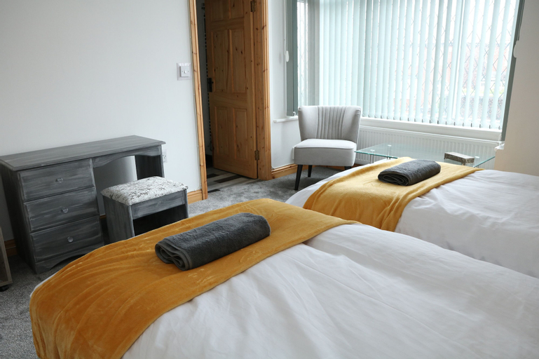 Ideal Home away in Bury and Whitefield, Bury
