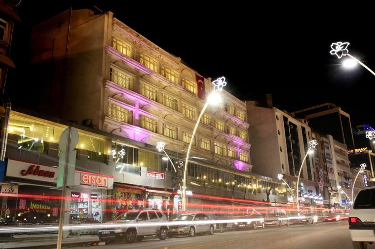 Royal Otel, Merkez