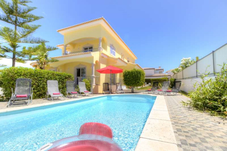 Villa - 6 Bedrooms with Pool and WiFi - 104371, Lagoa