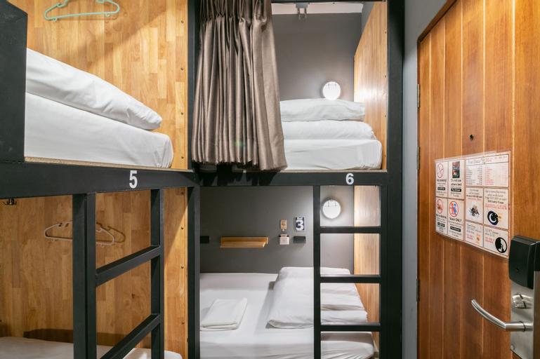 Timber Hostel, Pathum Wan