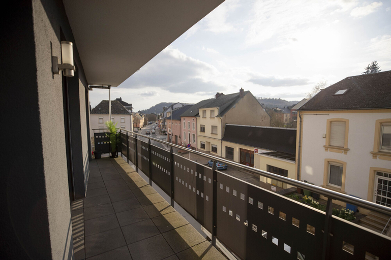 Modern Spacious 2BR Apartment, Esch-sur-Alzette
