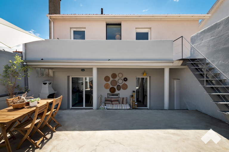 Aguda1 · Aguda's Family House 4BD Parking Barbecue, Porto