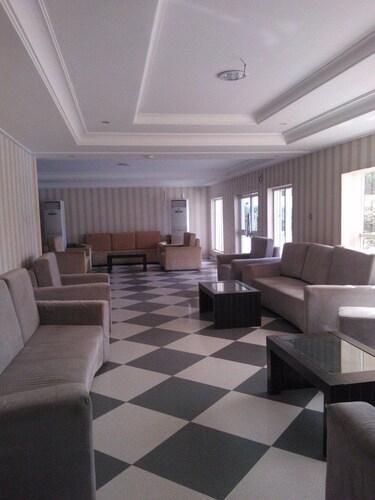 Grand Ibro Hotel, AbujaMun