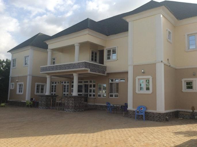 Santarosa Suites & Bar, Jos North