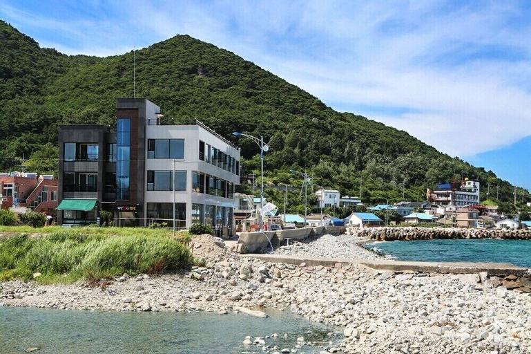 Beach Pension, Yeongdeok