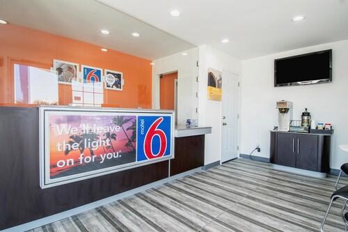 Motel 6 Barstow, CA - Route 66, San Bernardino