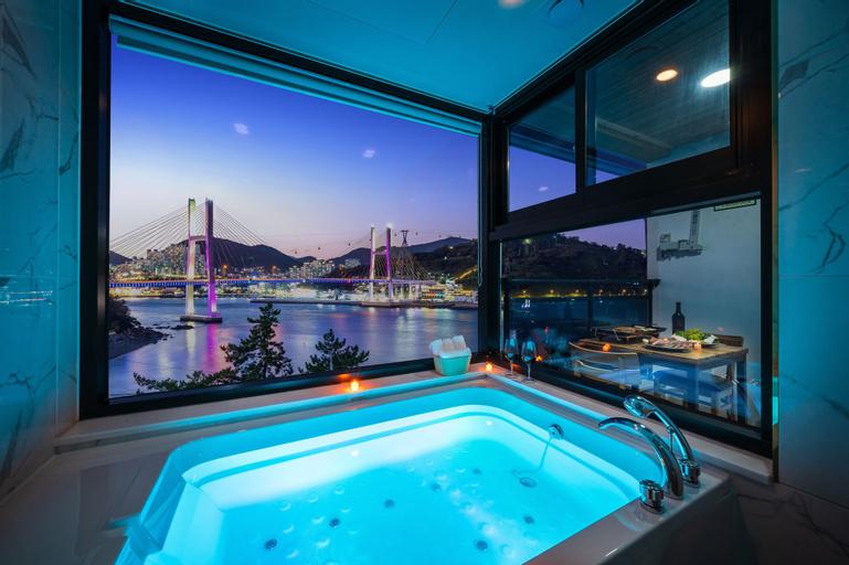 Sunhill Hotel & Pension, Yeosu