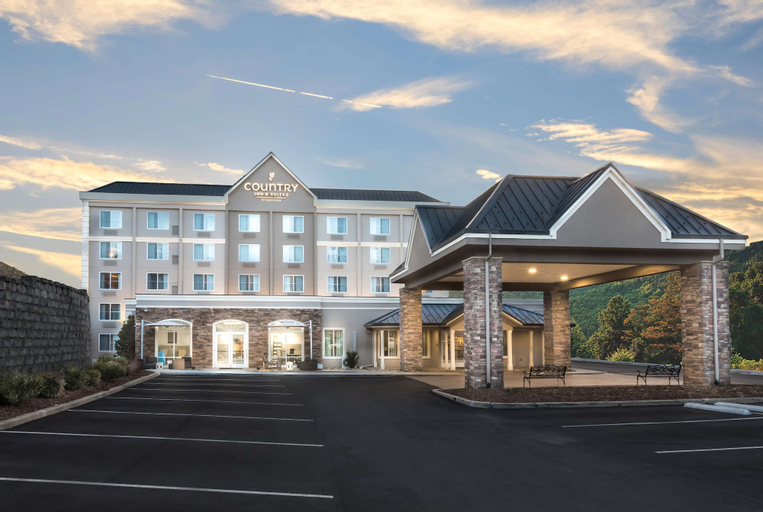 Country Inn & Suites by Radisson, Asheville Downtown Tunnel Road, NC, Buncombe