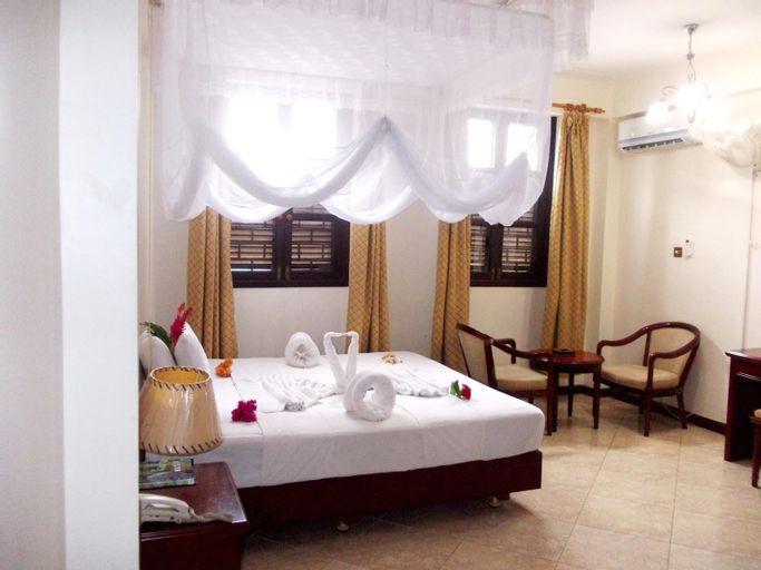 Safari Lodge Hotel, Mjini