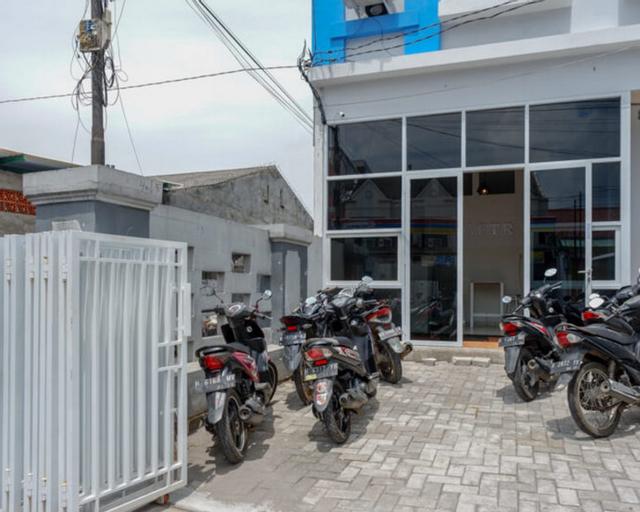 RedDoorz near Tamansari Shopping Center Salatiga, Salatiga