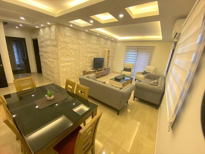 Elite Residence, Koura