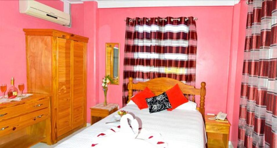 La Flamboyant Hotel,