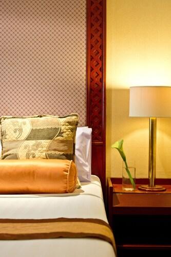 Fortuna Hotel, Khlong Toey