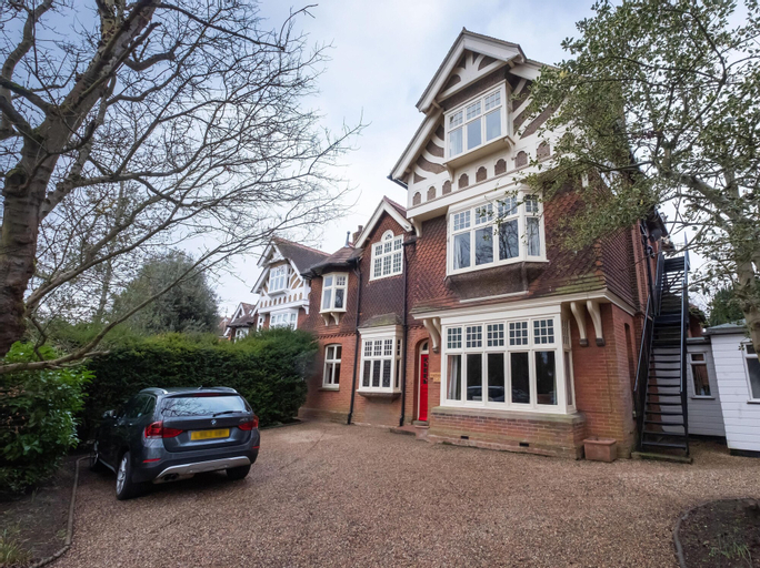 Wychwood Bed And Breakfast, Kent