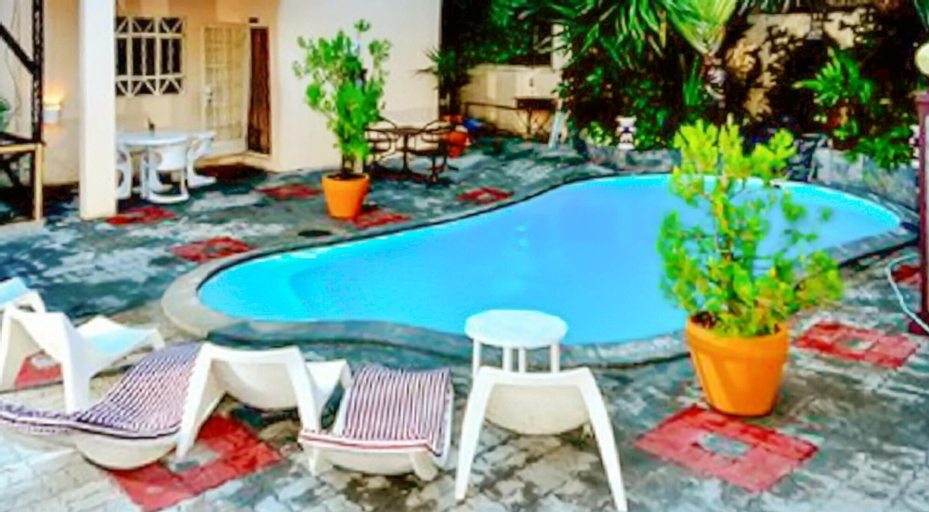 Studio in Pereybere, With Shared Pool, Furnished Terrace and Wifi - 1 km From the Beach,