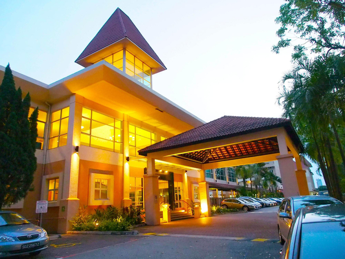 THE ARENA COUNTRY CLUB, Jurong West