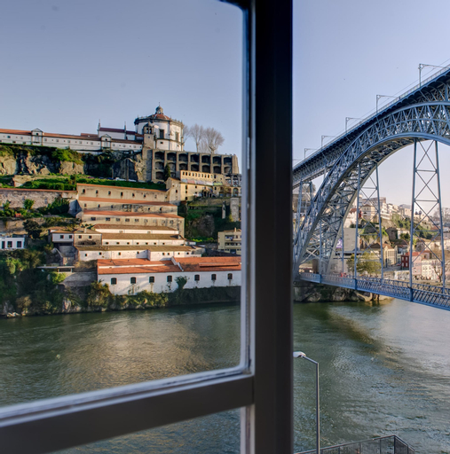 Ribeira Cinema Apartments, Porto