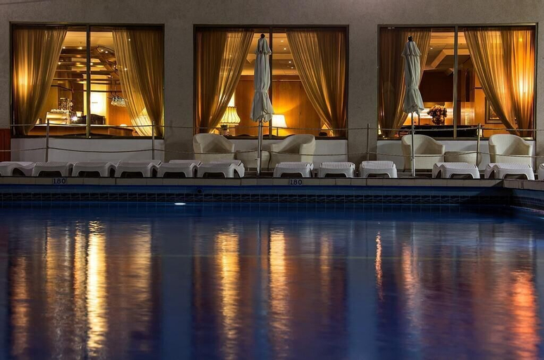 The Seasons Hotel - on The Sea,