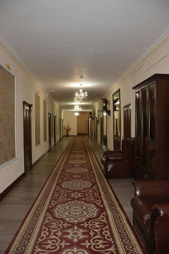 "Hotel ""AishaDeLuxe"", Bayzakskiy"
