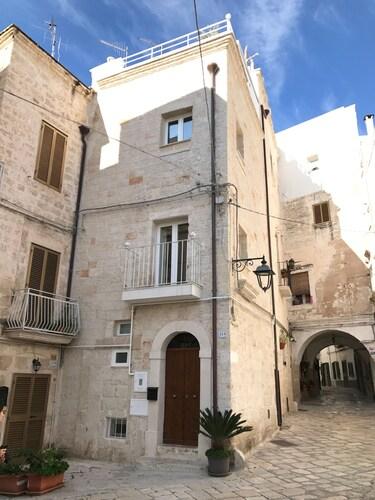 Casa di Margherita, Bari