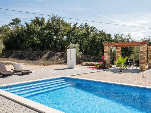 Wonderful Villa in Ferreira do Zezere with Swimming Pool, Ferreira do Zêzere