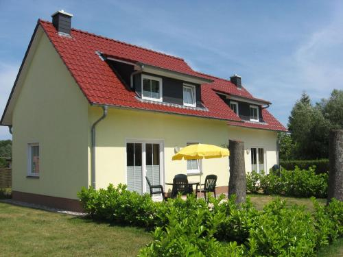 Cozy Seaside Holiday Home with Sauna in Kuhlungsborn, Rostock