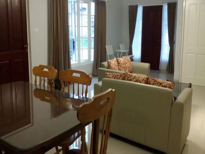 Rosetta Villa B, Malang