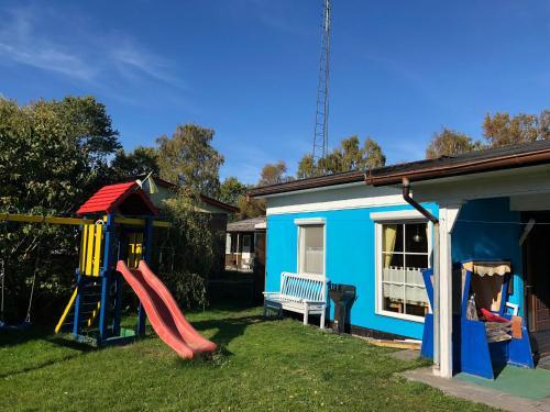 Bungalow mit Garten & Spielplatz, Rostock