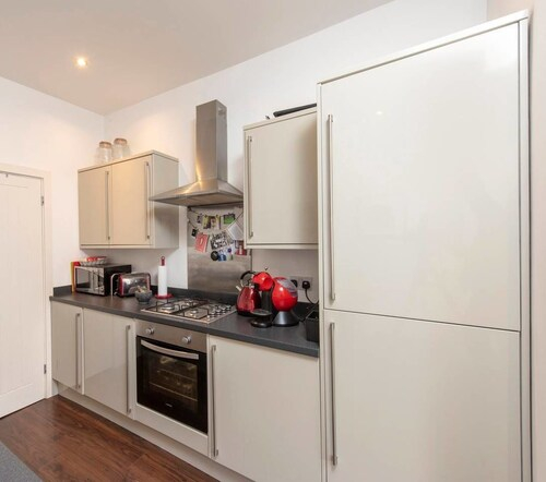 Cosy 2BD Terrace House in Chorlton, Trafford