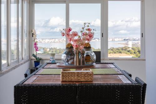 Cristo Rei Apartment - Great views and Free Parking, Almada