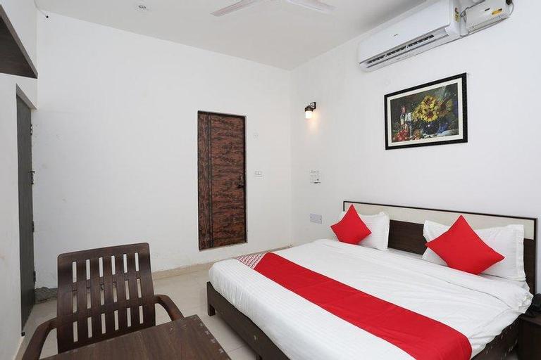 OYO 40657 Aastha, Faridabad