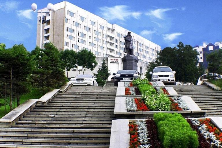 Equator, Vladivostok gorsovet