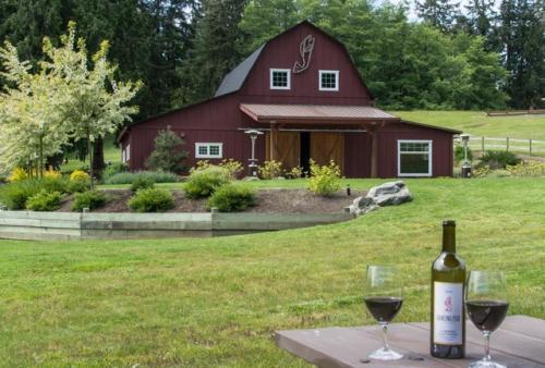 217 - Vineyard House, Island