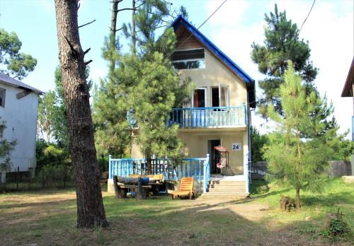 Villa Villekulla, Lanchkhuti