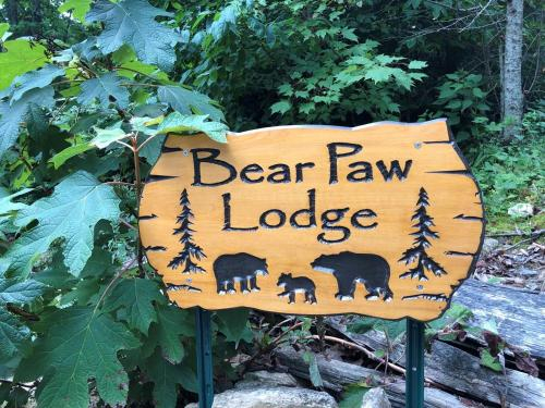 Bear Paw Lodge Cabin, Henderson