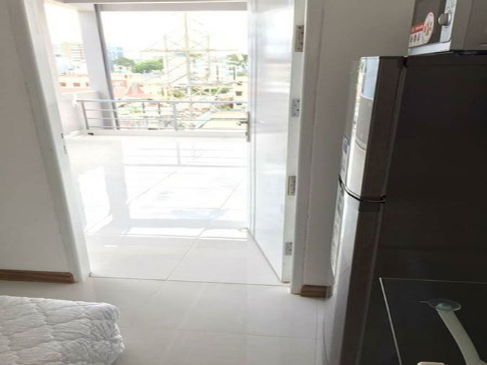 Smiley Apartment 7- B5 Seviced studio with balcony, Quận 1