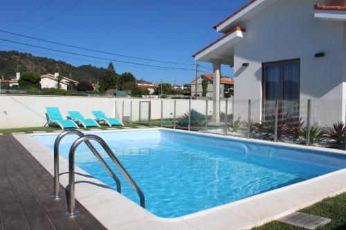 Moradia dos Telhadinhos com piscina, Esposende