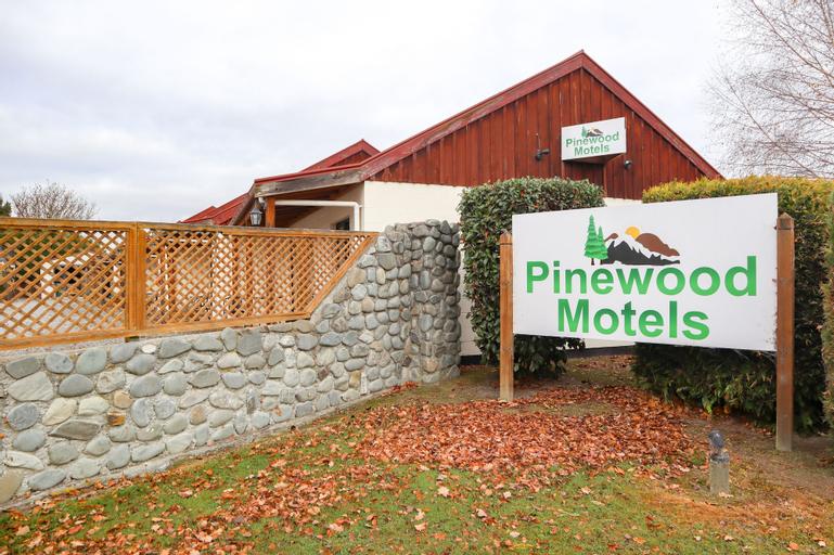 Pinewood Motels, Mackenzie
